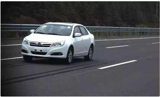 外国人对中国二手车出口许可证也很关注呀