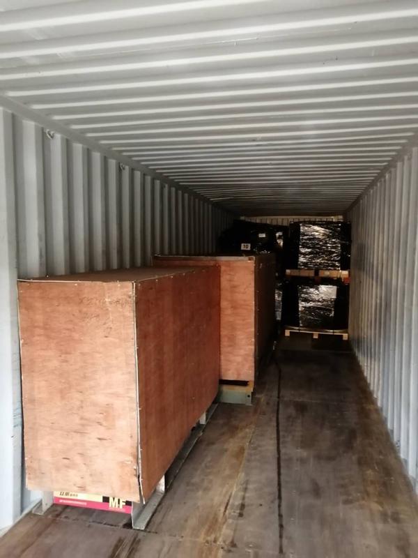 破碎机配件出口到非洲乌干达