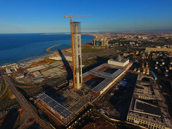 第二季度阿尔及利亚GDP增长下降至0.3%
