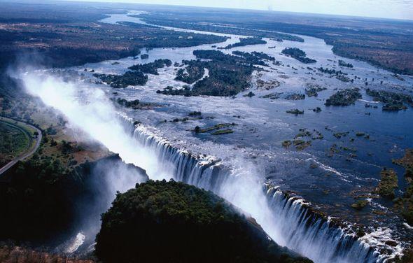 坦桑尼亚、卢旺达和布隆迪三国政府否决了鲁苏莫瀑布水电站项目延期完工请求