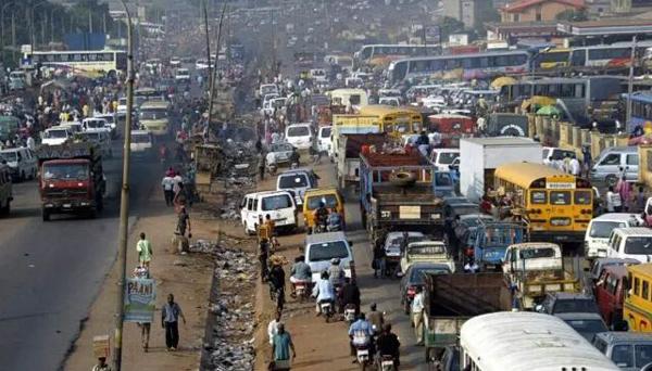 尼日利亚经常堵港但是海关收入却不少