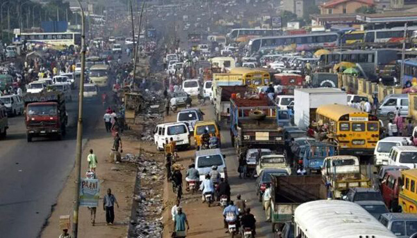 尼日利亚港口拥堵导致6.8万吨腰果开始腐烂而无法出口