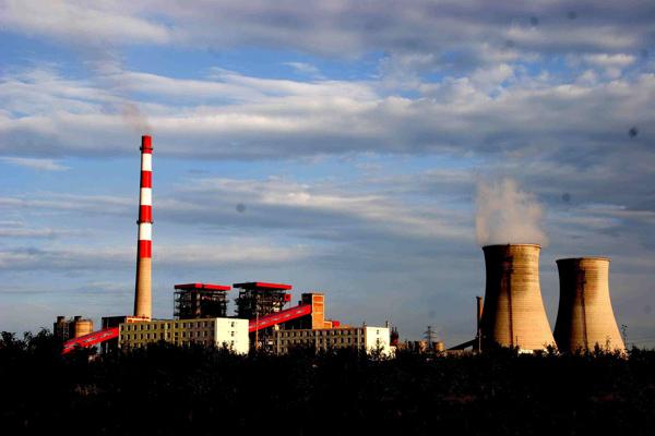 2019年全年电解铝总产量为3504万吨,同比下滑0.9%